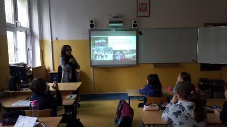 Lekcja o Indonezji w klasie 3b